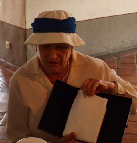 Veronika Lamberte dāvina dzimtas salveti, 2012.g.