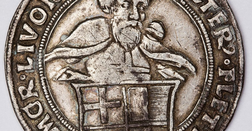 Livonijas ordeņa mestra Voltera fon Pletenberga (1494–1535) mārka, 1528. g. Averss.