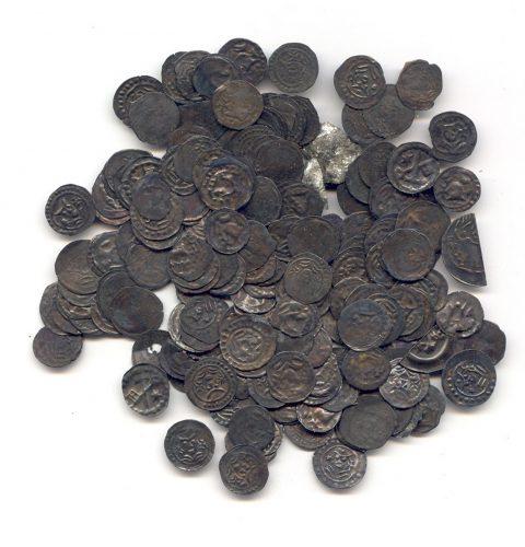 Rīgā Peldu ielā atrastais monētu depozīts, 13. gs.