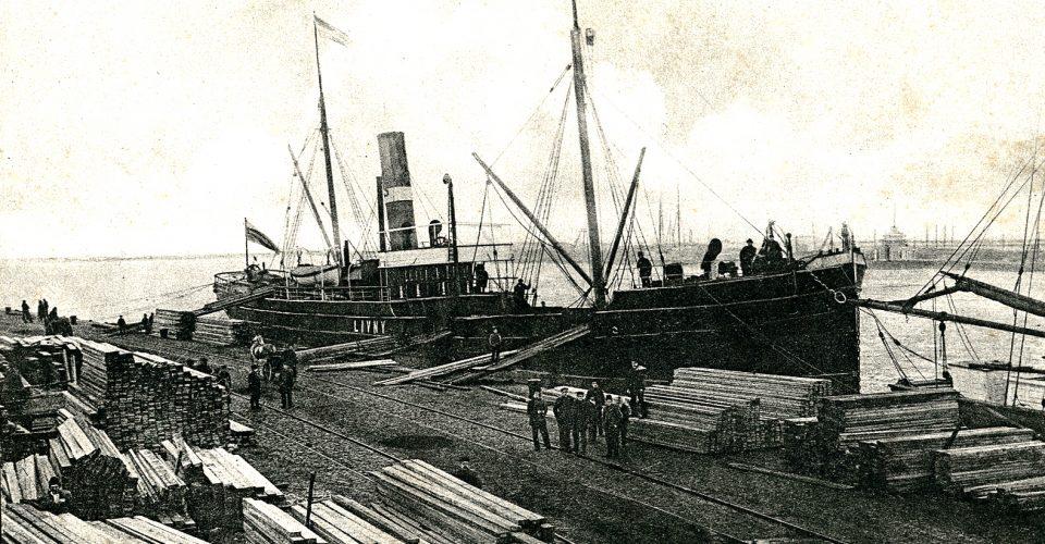 Pastkarte ar Liepājas ostas skatu, 20. gs. sākums