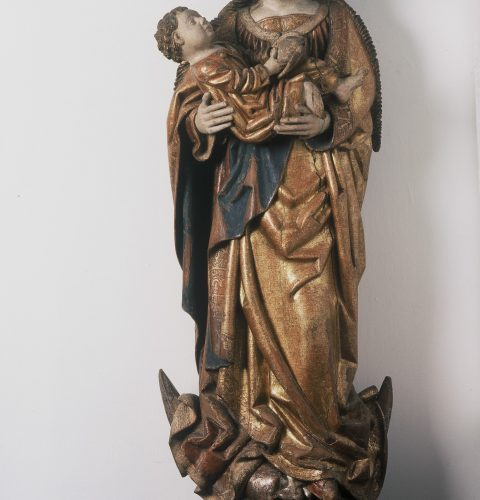 """Skulptūra """"Madonna uz Mēness sirpja"""", 15. gs. beigas. Uz Vāciju 2. pasaules kara laikā izvesto skulptūru Rīgas 800 gadu jubilejā pilsētai atdeva Lībeka."""