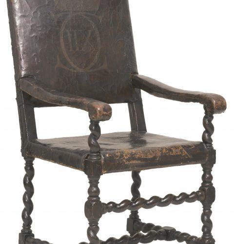 Krēsls ar Zviedrijas karaļa Kārļa XII monogrammu. Rīga, 1701. g.