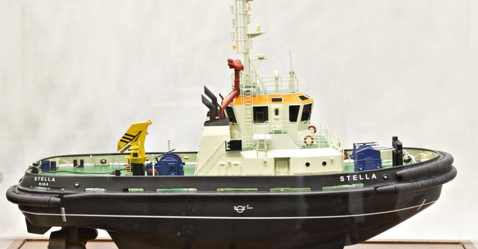 """Velkonis """"Stella"""". Motorkuģis būvēts Rīgas kuģu būvētavā 2008. g. Modelis rūpnieciski izgatavots Nikolajevā (Ukraina)."""