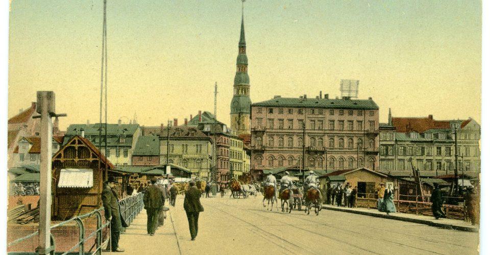 Pastkarte ar Rīgas skatu no Pontonu tilta, 20. gs. sākums