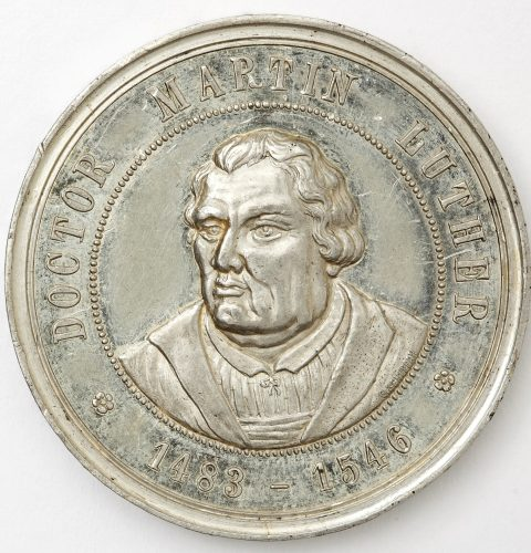 Памятная медаль посвящена 400-летию Мартина Лютера (1483–1546). Аверс. Рига, мастер медали Э. Бакстадс, 1883 г. Альва.