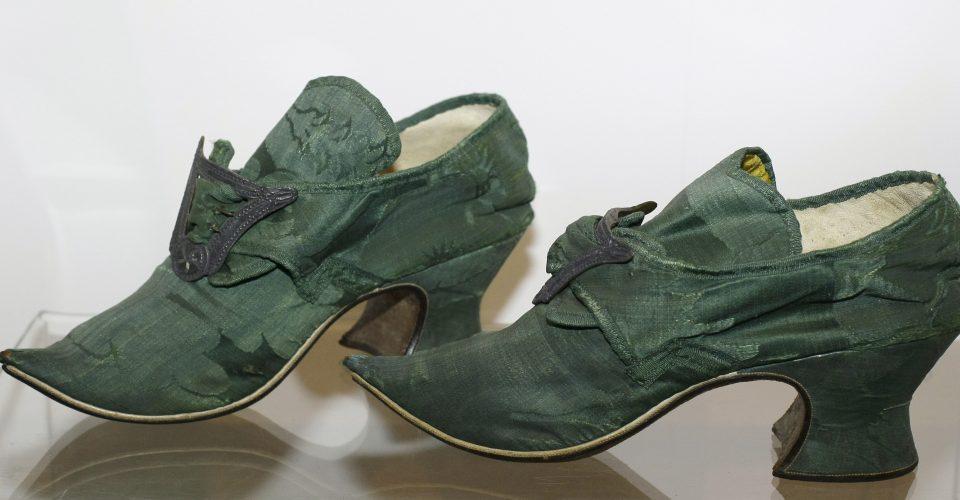 Sieviešu kurpes, 18. gs. otrā puse
