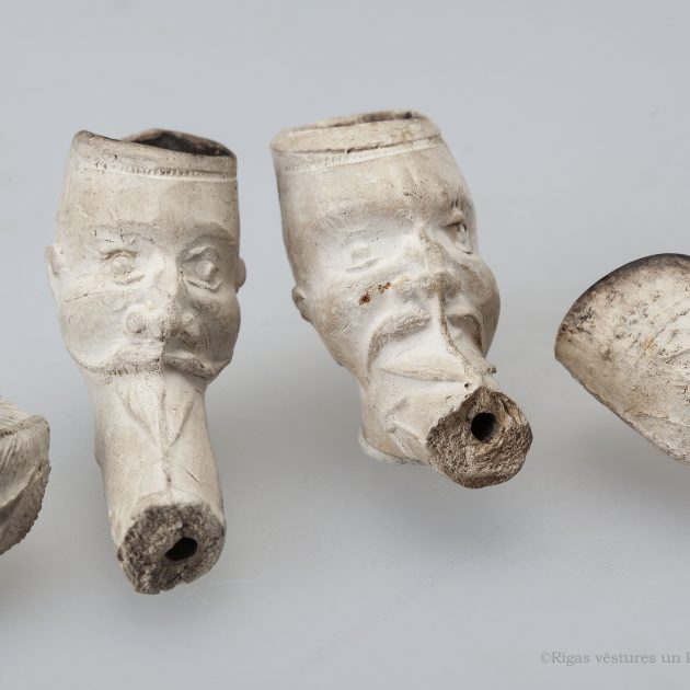 Tobacco pipes in the archeological collection of the museum